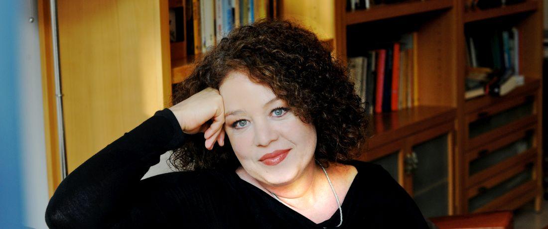 מדליית ערד: שיחה עם הסופרת מאיה ערד