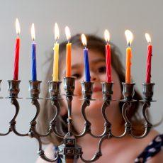 רעיונות לפעילות משפחתית מעשירה ומהנה לחג החנוכה